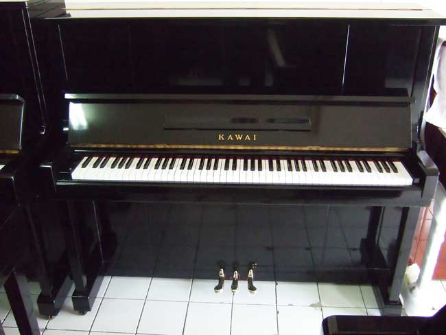 Kawai K-20 Upright Piano